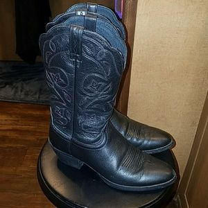 ARIAT 9B boots
